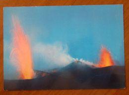 STROMBOLI Vulcano Cratere Eruzioni Cartolina Non Viaggiata - Italia