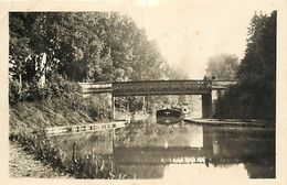 - Loiret -ref-A782- Dordives - Le Pont Du Canal - Canaux - Passage D Une Peniche - Peniches - - Dordives