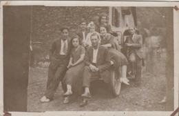 Photographie - Carte-photo - Groupe Famille Assis Sur Une Automobile - Espana ? - Photographs