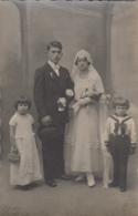 Photographie - Carte-photo - Couple De Mariés Et Enfants - Mode - Photographs