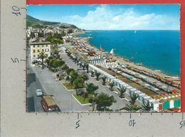CARTOLINA VG ITALIA - VARAZZE (SV) - La Spiaggia - 10 X 15 - 1962 - Imperia