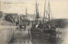 D29 - OUESSANT - LE PORT DE LAMPAUL - Plusieurs Hommes Près Des Bateaux - Voiliers - Barque - Ouessant