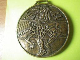 Médaille 21 Eme Course Paris Versailles ( 1976/1996) Texte De Arthus Bertrand - Non Classés