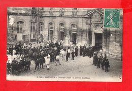 Bourges : Caserne Condé, Arrivée Des Bleus En 1914 - Bourges