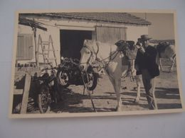 CPA Photo Camargue Gardian Cheval Moto Ancienne - Horses