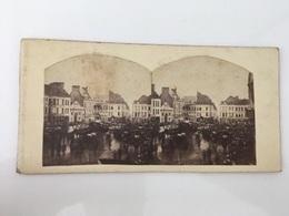1860 Photo Privée Carte Stéréoscopique Stéréo Cavalcade De La Mi-carème Mons? Belgique ? Nantes ? - Manifestations