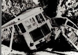 Photographie D'un Accident Train Contre Voiture - Reproduction - Trains