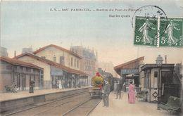 PARIS-75019-STATION DU PONT DE FLANDRE SUR LES QUAIS - Arrondissement: 19