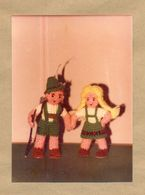 W28-Vintage Abstract Art Photo Snapshot- Small Wool Guy And Girl Dolls Alps Folk Costume - Objetos