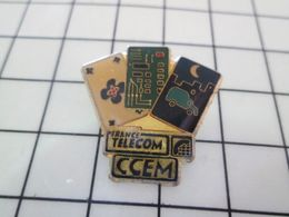 816B Pin's Pins : BEAU ET RARE : Thème FRANCE TELECOM CCEM DIVERSES CARTES A PUCES - France Telecom
