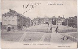 54. LUNEVILLE. Caserne, Place Et Cour Du Château - Luneville
