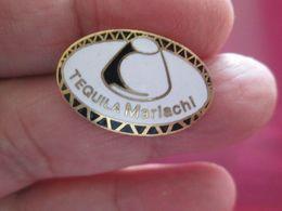 1116c Pin's Pins : BEAU ET RARE : Thème BOISSONS / CHAPEAU MEXICAIN SOMBRERO TEQUILA MARIACHI - Beverages