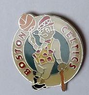 A190 Pin's USA BASKET BOSTON CELTICS Achat Immédiat - Baloncesto