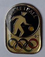 A210 Pin's BASKET JO BARCELONE BARCELONA Espagne JO Jeux Olympiques Achat Immédiat - Baloncesto