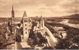CPA - PYRENEES-ATL. - PAU, Vue Cavalière, L'Ancien Palais Du Parlement De Navarre - Pau