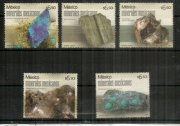 MEXIQUE. Minéraux Du Mexique (Asbesto,Carbonate De Calcium,Amatista,Apatite,etc) 9 Timbres Neufs ** - Minerali