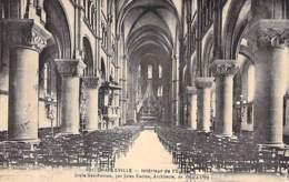 RELIGION CATHOLIQUE - 08 - CHARLEVILLE : Intérieur De L'Eglise - CPA- Ardennes ( Christianisme ) - Kerken En Kloosters