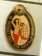 PIN'S  FOOTBALL - U.S FREBAULT LORIENT  - MORBIHAN  - BRETAGNE - Fútbol