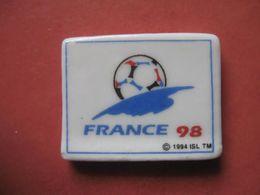 Fève Plaque France 98 ¤ Série Foot  Fèves ¤ Rare Ancienne - Sports