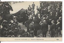 RÉPUBLIQUE FRANÇAISE : Fête Du 18 Février 1913 - Arrivée Du Président Poincaré à L'Hôtel De Ville De Paris. CPA. - Histoire