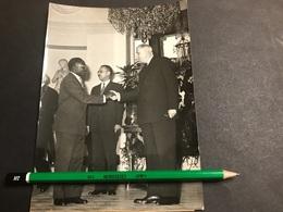 Photo De Presse 18x13 Général De Gaulle Reçois Leopold Senghor Président Du Sénégal 1961 - Famous People