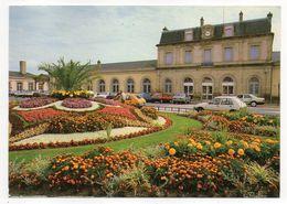 LUNEVILLE--1987--La Gare --petite Animation--belles Voitures, Jardin,fleurs...............à Saisir - Luneville