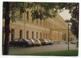 MAUBEUGE  ----L' Arsenal   (belles Voitures Dont Citroen 2CV , Renault   ....).....à Saisir - Maubeuge