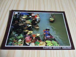 The Floating Market At Damnernsaduok In Ratchaburi (Thaïlande). - Thaïlande