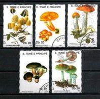 SAINT THOMAS ET PRINCE CHAMPIGNONS 1990 (23) N° Yvert 986 à 990 Oblitéré Used - Sao Tome Et Principe
