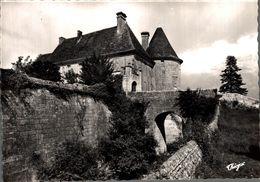 Rioux Chateau Du XIIe Siecle      CPM Ou CPSM - Autres Communes