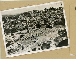 PHOTO PRESSE.  GUERRE 39/45 Les  Troupes Françaises Resistent à  MADAGASCAR  Une Vue D'avion De TANANARIVE  En  1942 - Guerra, Militari
