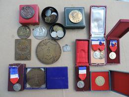 Lot 14 Médailles & 26 Monnaies Divers. - Professionnels / De Société