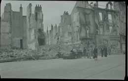 Altes Negativ Einer Aufnahme Aus Orléans -zerstörte Häuser In Der Rue Royale- - Guerra, Militari