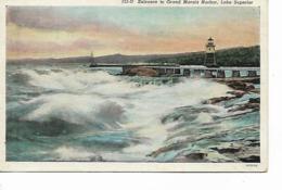CPA - USA : Entrance To Grand Marais Harbor -  DULUTH  - Minnesota - 1940 - Duluth