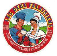 ETIQUETTE De FROMAGE. CAMEMBERT Fabriqué En NORMANDIE.. Les Deux Falaisiens - Cheese