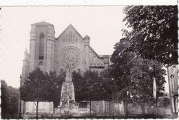 Meuse : BAR-le-DUC : L'église Saint-jean Et Monument Aux Morts : ( C.p.s.m. - Glacée - Photo. Véritable ) - Bar Le Duc