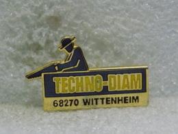 PINS MU36                         58 - Pin's