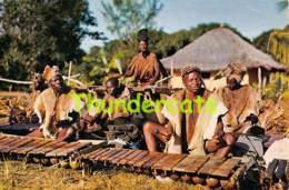 CPSM ZAVALA MARIMBEIROS E TIMBILEIROS MOCAMBIQUE  ( PLI - CREASE ) - Mozambique