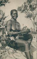 ANGOLA -COSTUMES - Noiva Cuanhama. ( Ed. Agencia Geral Das Colónias/ Cliché De Cunha E Costa)  Carte Postale - Angola