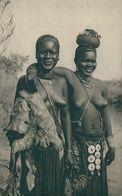 ANGOLA -COSTUMES - Noivas Cuanhamas. ( Ed. Agencia Geral Das Colónias/ Cliché De Cunha E Costa)  Carte Postale - Angola