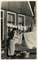 Typical Dress, Washing,Witte Was, Real Photo - Volendam