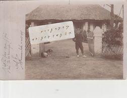 MANAMBOLO - Un Homme Et Son Chien Posant En 1905    ( Carte-photo )   Peu Fréquente - Madagascar