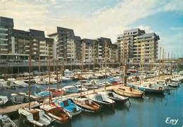 14 - Courseulles Sur Mer - Le Port Plaisance - Immeubles - Etat Pli Visible - CPM - Voir Scans Recto-Verso - Courseulles-sur-Mer