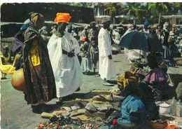 L AFRIQUE EN COULEUR   MARCHE...timbre Au Dos - Senegal