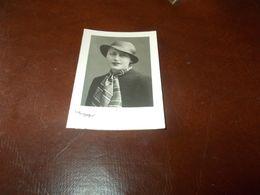 B767  Foto Tessera Donna Con Cappello Foto  E.mioni Cm7,5x5 - Fotografia