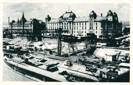 BRATISLAVA : MINISTERSTVO - BATEAUX / SHIPS Sur / On DANUBE ~ 1930 - '935 (ae846) - Slowakije