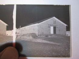 GUERRE 1914-18 - Plaque De Verre Stéréo Négative - - Hôpital D'évacuation N°36  2ème Section  - Format 6 X13 - Diapositiva Su Vetro