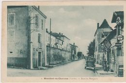Montfort, Rue Des Remparts, Pompe à Essence Castrol - Renault - Veedol - Montfort En Chalosse