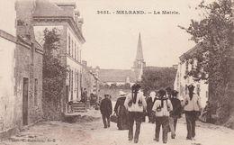CPA:MELRAND (56) LA MAIRIE ANIMÉE.. - France