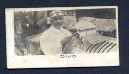 060620/// Photo DU PILOTE DIVO.....PUB LA PIE QUI CHANTE 50MMX30MM - Cars
